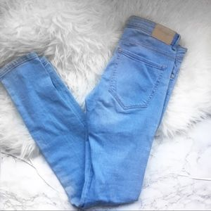 Zara Trafaluc light wash denim jeans